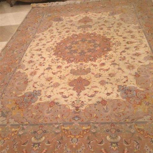 فرش دست بافت ابریشمی