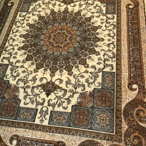فرش در طرح ورنگ های زیبا ۷۰۰شانه