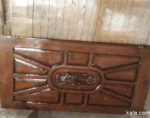رنگ کاری درب چوبی ساختمان