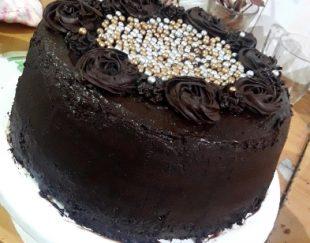 ورکشاپ آموزش صفر تا صد کیک خامه ای به صورت حضوری در جیرفت