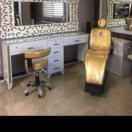 اجاره میز ناخن و صندلی به آرایشگر