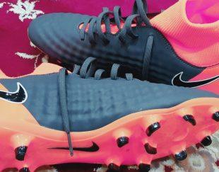 کفش فوتبالی استوک دار