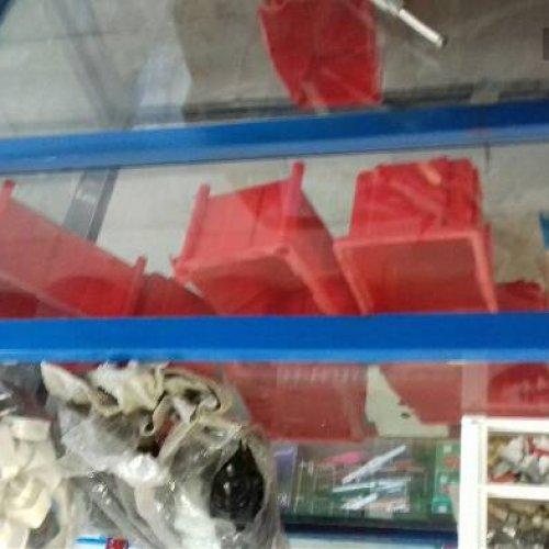 فروش ویترین شیشه ای