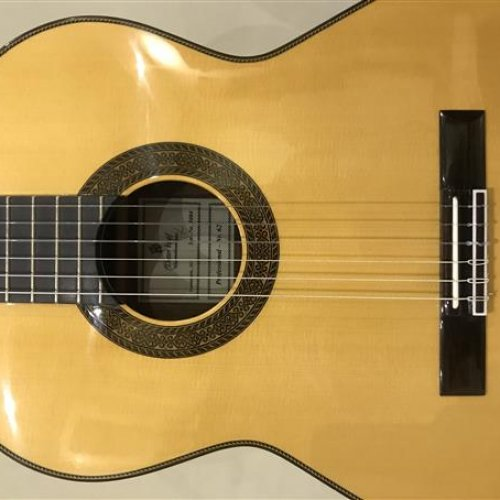 گیتار کلاسیک دست ساز آلمانDIETER HOPF