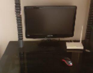 میز کامپیوتر شیشه ای
