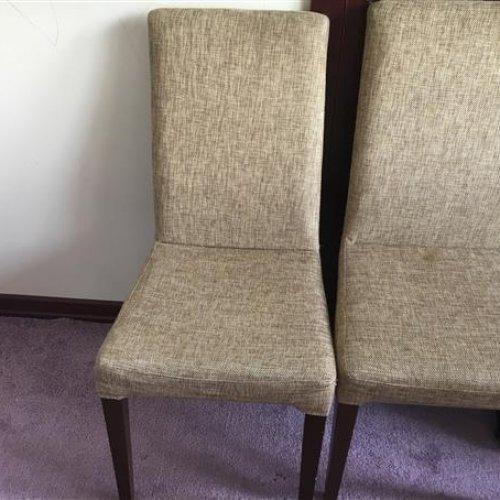 دو عدد صندلی با پایه چوب