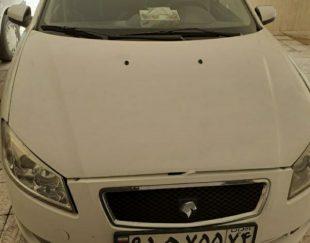 یک دستگاه رانا lxمدل آخر ۹۴ ۳ ماه بیمه بدنه سالم داخل خودرو تمیز و سالم