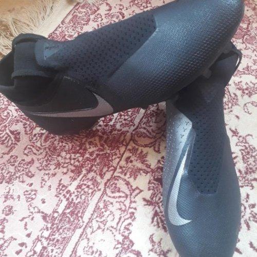 کفش فوتبال عالی نوع فانتوم