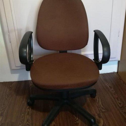 صندلی چرخدار اداری قهوه ای