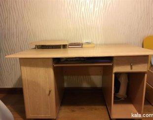میز تحریر و کامپیوتر ارژن