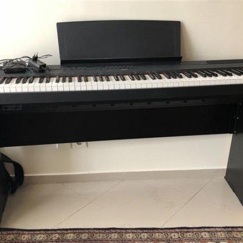 پیانو یاماها p115
