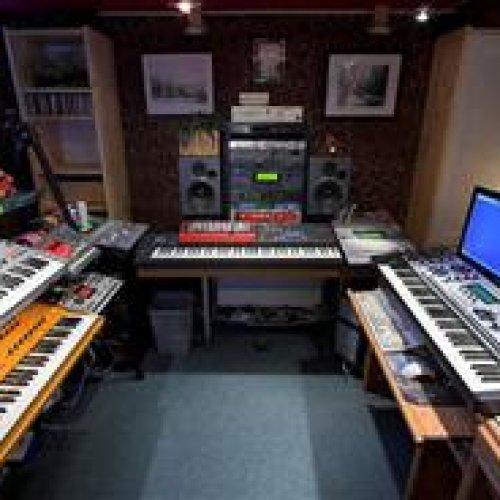 استودیو ضبط صدا،تنظیم،ملودى،میکس و مستر
