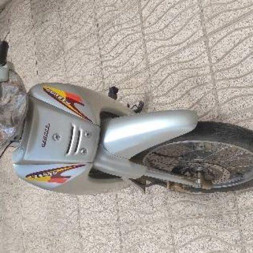 فروش موتورسیکلت پیشرو مدل ۱۱۰
