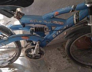 دوچرخه ۲۴ آبی نیاز به دوتا لاستیک . با تخفیف