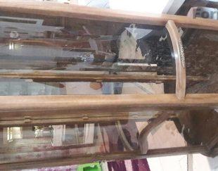 بوفه چوبی شیشه ای