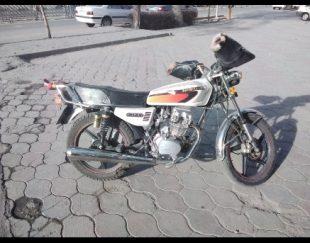 موتورسیکلت ۲۰۰ همتاز