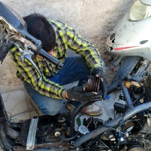 تعمیر موتور سیکلت اسکوتر پاکشتی تک استارت روشن