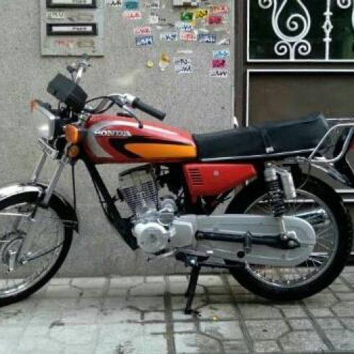 موتور هوندا مدل ۹۵ عروسک