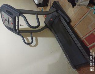 فروش یک دستگاه تردمیل پرفشنال