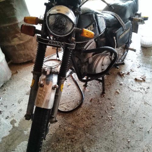 موتور ایژ مدل ۹۴ مشکی رینگ اسپرت تر تمیز