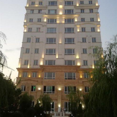 ۱۳۰ متر اکازیون برج باغ اشرفی اصفهانی