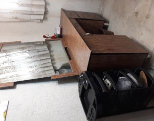 فروش میز و اینه و صندلی اصلاح و ترویلی با قیمت مناسب