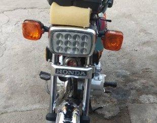 موتور سیکلت هوندا مدل ۸۹ درحد صفر استارتی بیمه هم دارد