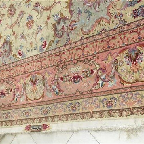 فرش ابریشم دوازده مترى