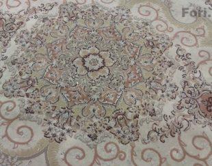 یک تخته فرش ۶ متری ۷۰۰ شانه کرم رنگ
