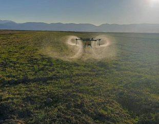 سمپاشی مزارع کشاورزی با پهپاد