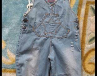 دو دست لباس دامنی کودکانه و یک دست سر همی کودک