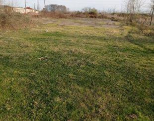 یک قطعه زمین ۱۸۹۰ متر دارای سند تک برگ همراه مغازه ۳۰ متری