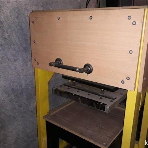 دستگاه پرس حرارتی اتوماتیک مخصوص چاپ
