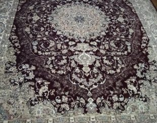 فرش زرشکی ۳×۳