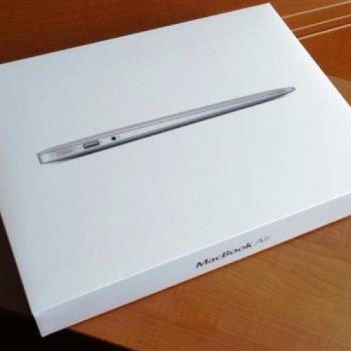 Mac book 13inch Air MMGF2ll/A