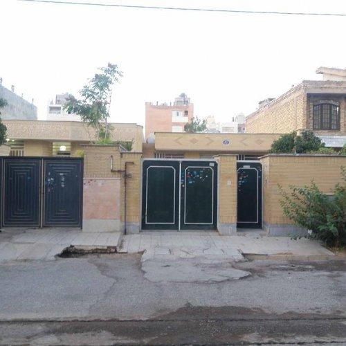 فروش منزل ۲۵۰ متر ضابطه دار فرگاز روبرو پارک فروزان