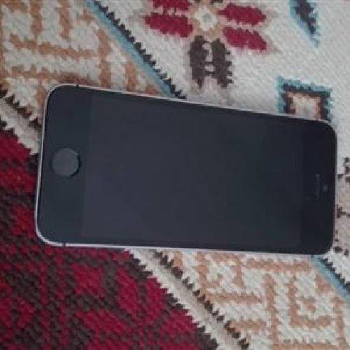 IPhone SE 64 -بسیار سالم و تمیز