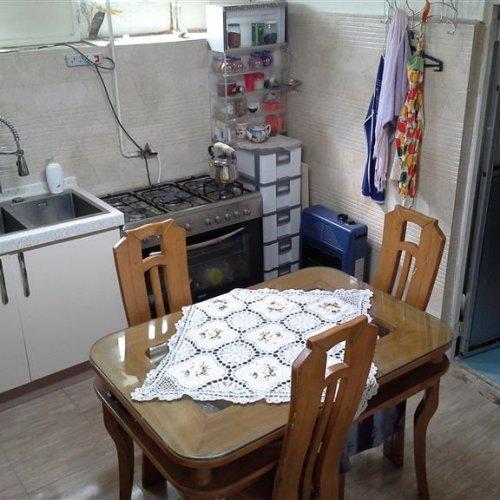 منزل دربست در سه طبقه و نورگیر