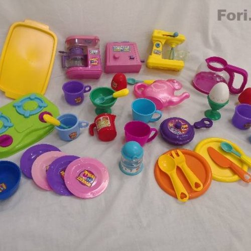 ۵۰ قطعه ست اسباب بازی آشپز خونه و ارایشی(ارسال رایگان)