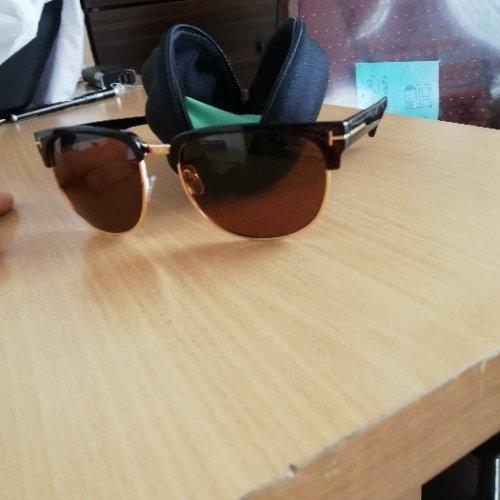 عینک آفتابی بسیار زیبا معاوضه با انگشتر