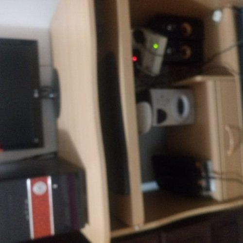 کامپیوتر ال جی همراه با میز