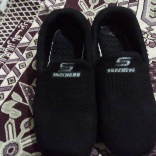این کفش شمارهی ۴۱ است