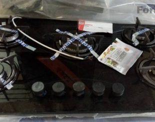 اجاق گاز صفحه ای پنج شعله آراز_ تمام شیشه رنگ مشکی…  اصلا استفاده نشده و نو است.
