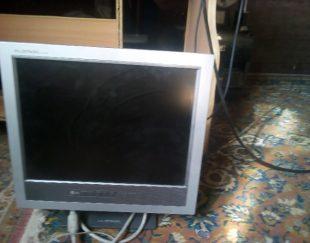 کامپیوتر رومیزی همراه میز