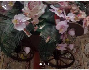 گل تزیینی همراه با گاری