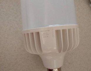 دوتا لامپ ۱۰۰والت ال ای دی