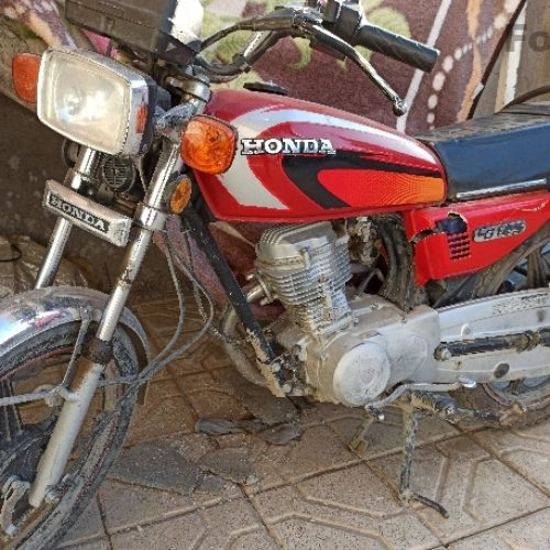 موتور سیکلت مدل ۸۳