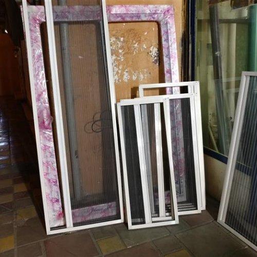 ساخت و نصب انواع درب و پنجره دوجداره و انواع توری