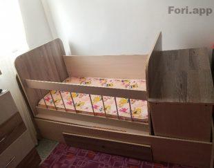 سرویس خواب کودک و تخت و ویترین و کتابخانه