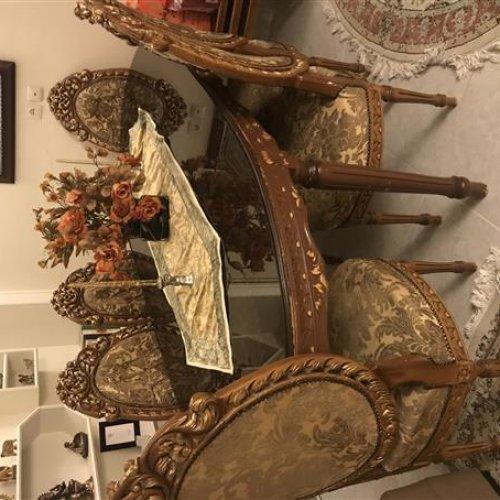 مبل سلطنتی به همراه میز غذا خوری ۶ نفره و میز عسلی